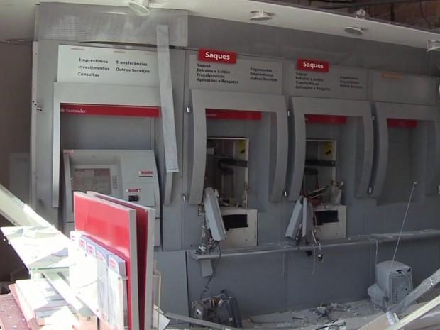 Cresce número de roubos a caixas eletrônicos no Vale do Ribeira, SP (Foto: Reprodução/TV Tribuna)