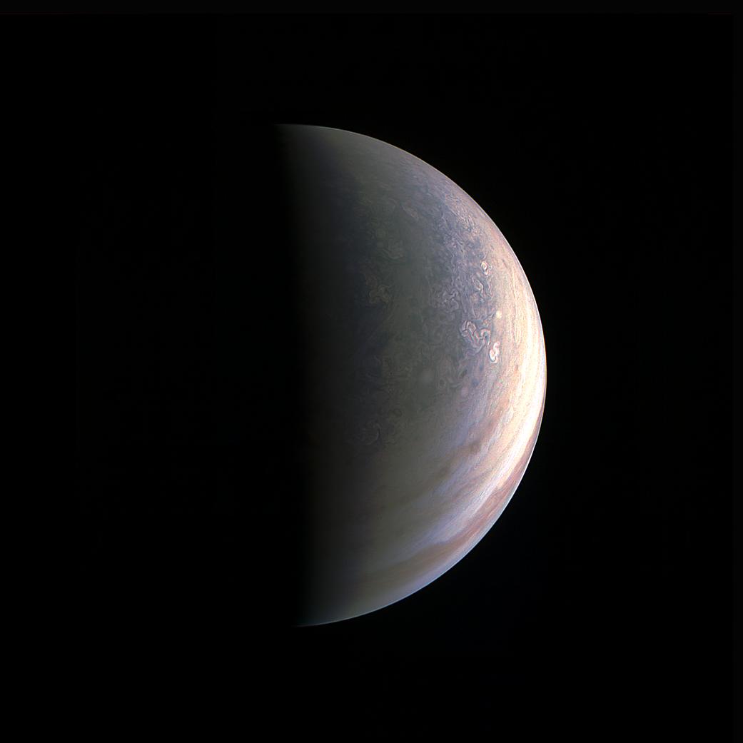 (Foto: NASA/JPL-Caltech/SwRI/MSSS)