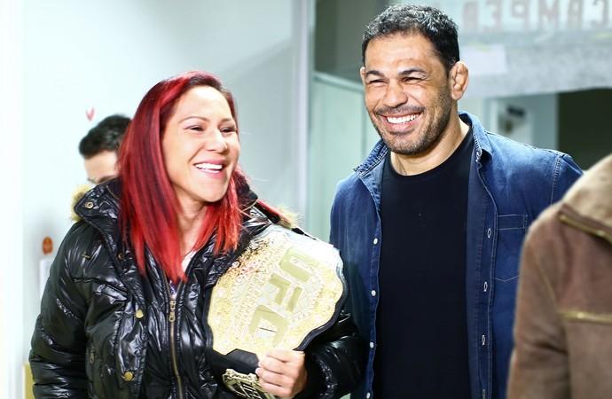 Cris Cyborg hospital em Curitibs (Foto: Heuler Andrey/Divulgação UFC)