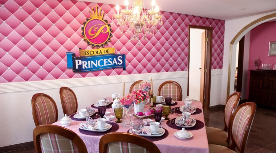 Escola de princesas: etiqueta para meninas de 4 anos (Foto: Escola de princesas)