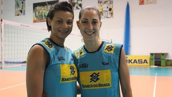 Walewska e Carol Gattaz treino seleção feminina de vôlei (Foto: CBV)