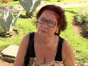 Sônia Pereira é merendeira e disse que sofre com pó preto, espírito santo (Foto: Reprodução/ TV Gazeta)