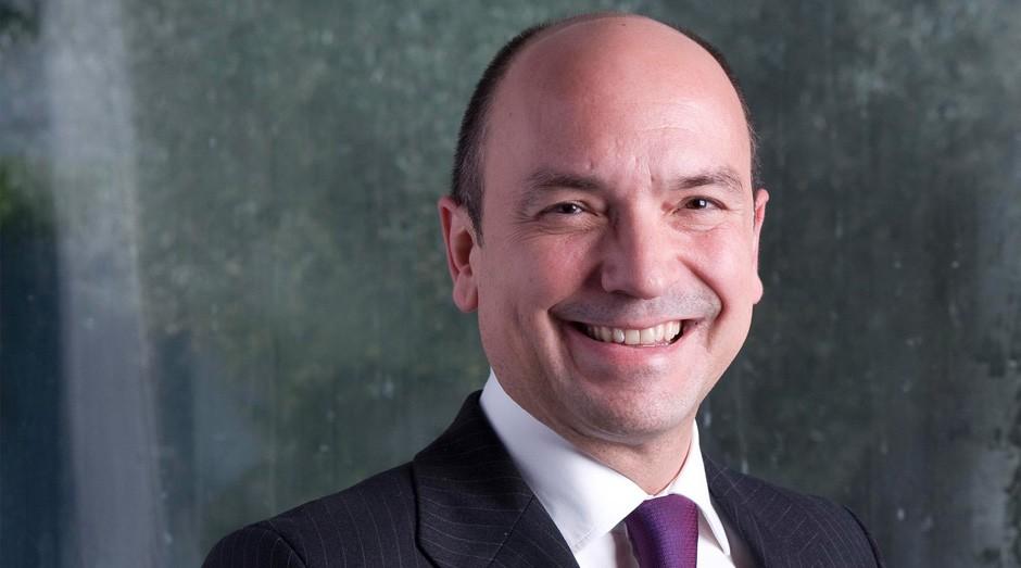 Santiago Iñiguez, reitor e presidente da IE Business School, ministra masterclass ao lado de Carlos Alberto Sardenberg (Foto: Divulgação)