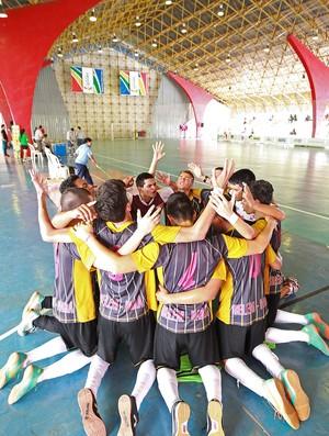 Nos pênaltis, paraenses conseguem vaga na elite do futsal, nas Olimpíadas Escolares, em Belém 2013 (Foto: Andre Mourao/AGIF/COB)
