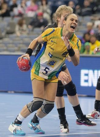 Dani Piedade Brasil handebol mundial servia (Foto: Cinara Piccolo/Photo&Grafia)