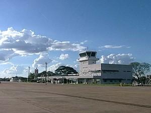 Aeroporto Mário de Almeida Franco em Uberaba será pintado para receber Copa das Confederações (Foto: Reprodução/TV Integração)