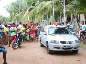Corpo da vítima foi encontrado próximo ao Rio Poxim (Foto: aquiacontece.com)