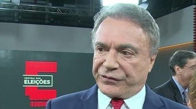 Álvaro Dias, pré-candidato do Podemos à presidência, participa da Central das Eleições