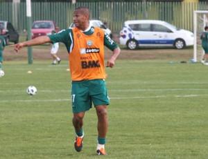 Jonas, ex-lateral do Coritiba (Foto: Gabriel Hamilko / GloboEsporte.com)
