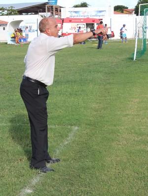 Nelson Mourão, treinador do 4 de Julho (Foto: Wenner Tito)