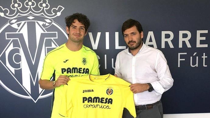 Alexandre Pato é apresentado no Villarreal (Foto: divulgação)