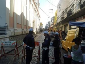 Parte da Rua das Calçadas, coração do comércio do centro, foi fechada (Foto: Luna Markman/G1)