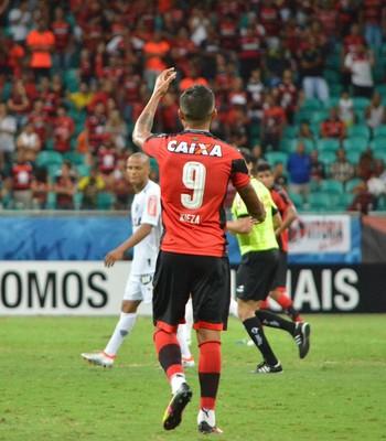 Kieza gol Vitória x Atlético-MG (Foto: Francisco Galvão / Divulgação / E.C. Vitória)