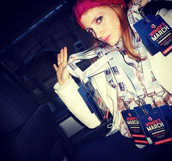 Jessica Chastain a caminho da marcha (Foto: Reprodução/Instagram)