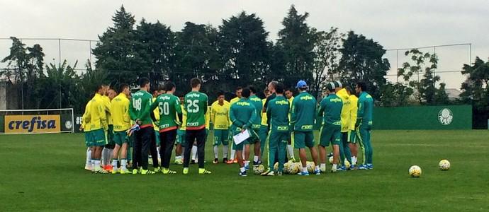 Prass fala com elenco do Palmeiras (Foto: Tossiro Neto)