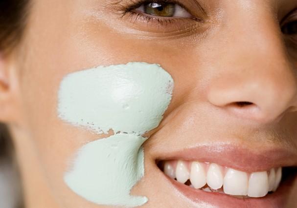 Máscara facial: essencial no seu day spa (Foto: Thinkstock)