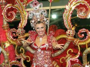 Hélio também confeccionou a fantasia de Karolina Salgado, que ficou em como 3ª Princesa em 2009. (Foto: Cristino Martins/O Liberal)