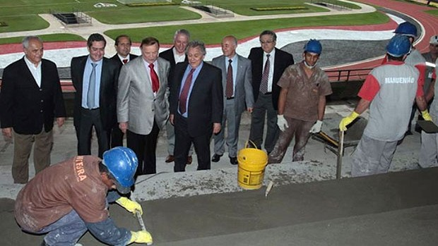 visita ao Estádio do Morumbi, José Maria Marin (Foto: Rubens Chiri / saopaulofc.net)