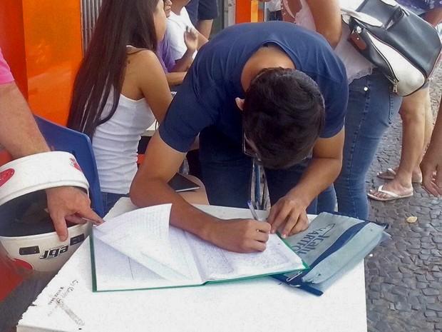 Meta é recolher 20 mil assinaturas  (Foto: Franciele Spina Lucas/Cedida)