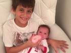Pai coruja, Henri Castelli posta foto dos filhos