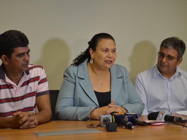 Secretária conta em coletiva as novidades do PCCR (Foto: Amanda Borges/G1)