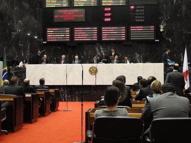 Votação reuniu 59 deputados na manhã desta terça-feira (9). (Foto: Sara Antunes/G1)
