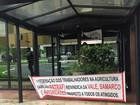 Grupo invade prédio no DF e cobra soluções para desastre em Mariana