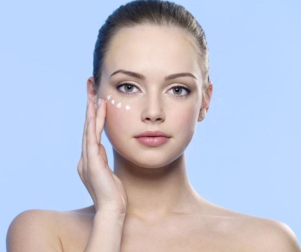 Dermatologista das famosas dá seis dicas para cuidar da pele e dos lábios ressecados no inverno