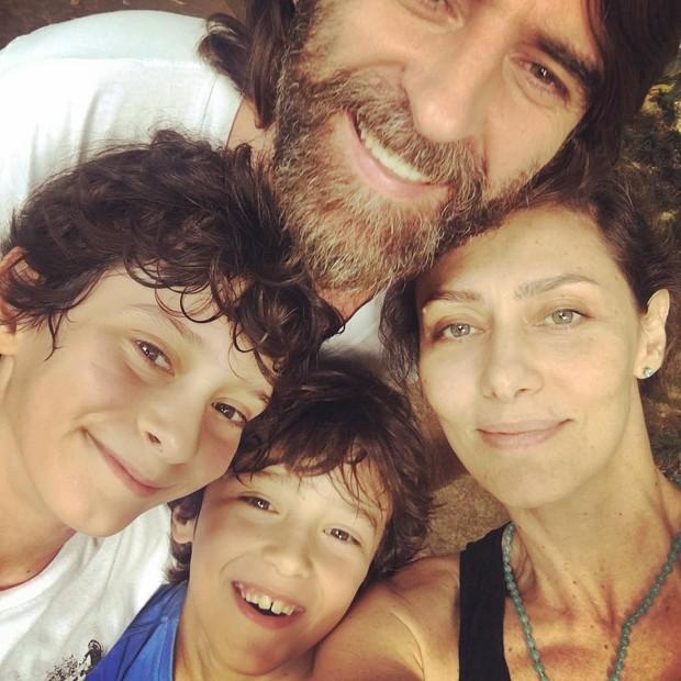 Maria Fernanda Cândido e família (Foto: Reprodução/Instagram)