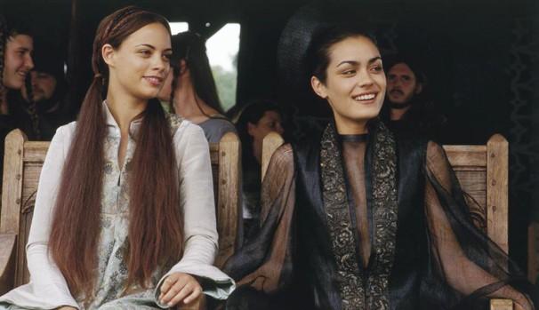 A atriz como Christiana, de 'Coração de Cavaleiro' (2001) (Foto: Divulgação/Reprodução)