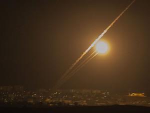 Militantes de Gaza dispararam vários foguetes em direção de Jerusalém e Tel Aviv (Foto: Jack Guez/AFP)