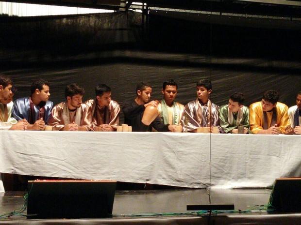 Espetáculo retrata o verdadeiro sentido no Natal por meio do teatro, da dança e da música (Foto: Divulgação)