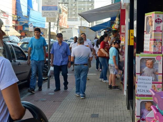d20bb94ac Dia das Crianças movimenta comércio de Piracicaba (Foto: Carol  Giantomaso/G1)