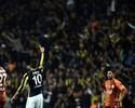 Com dois de Van Persie, Fenerbahçe vence o Galatasaray no clássico turco