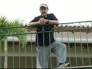 Roberto Jefferson pediu para o jornalistas se retirarem (Foto: Reprodução/TV Rio Sul)