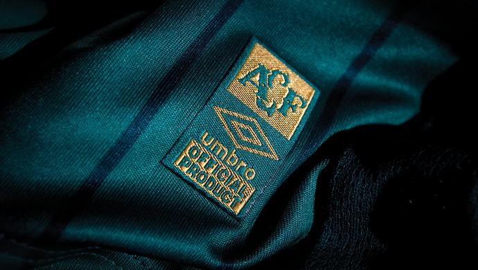 Camisa Chapecoense (Foto: Divulgação/Umbro)