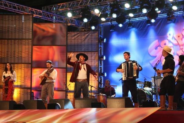 Galpão Crioulo no Enart (Foto: Verônica De Giacomo/RBS TV)
