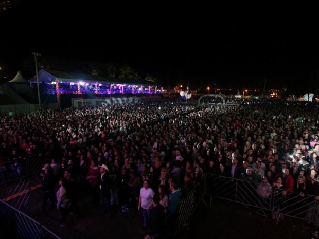 Multidão acompanhou o evento (Foto: Rafael Almeida / TV TEM)