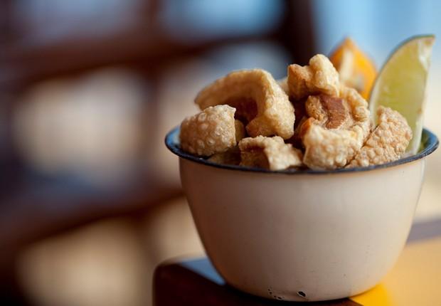 Torresminho do Mocotó, receita exclusiva do chef Rodrigo Oliveira é uma boa pedida para acompanhar as cachaças  (Foto: Divulgação)