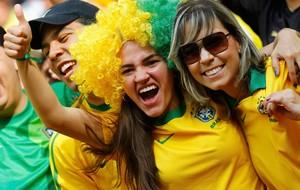 gatas torcida copa das confederações brasil (Foto: Agência Reuters)