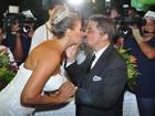 Ângela Bismarchi se casa na Cidade do Samba, no Rio