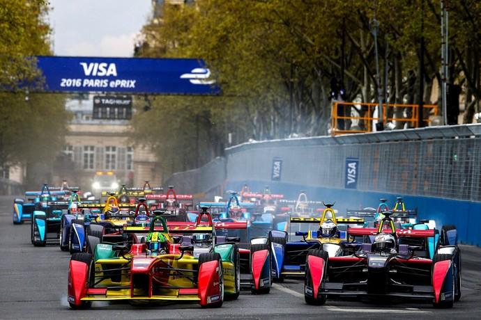 Lucas di Grassi assumiu a ponta logo na largada do ePrix de Paris (Foto: Divulgação)
