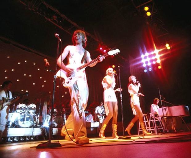 ABBA durante um show em 1977 (Foto: Divulgação / ABBA)