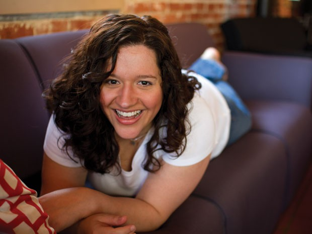 A escritora americana Kiera Cass, autora da trilogia 'A seleção', uma das convidadas da 23ª Bienal do Livro de São Paulo (Foto: Divulgação')