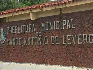 Prefeitura Municipal de Santo Antônio de Leverger (MT), em Mato Grosso. (Foto: Reprodução/TVCA)