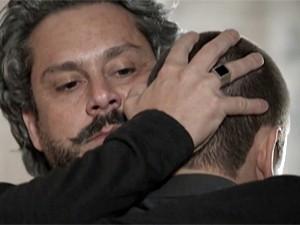 Zé reencontra Lucas (Foto: TV Globo)