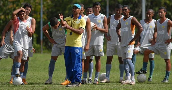 Mauro Soares, na época, técnico do GEL (Foto: Chico Guedes/Arquivo/A Gazeta)