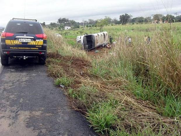 PRF diz que motorista dirigia acima da velocidade na rodovia. (Foto: PRF)