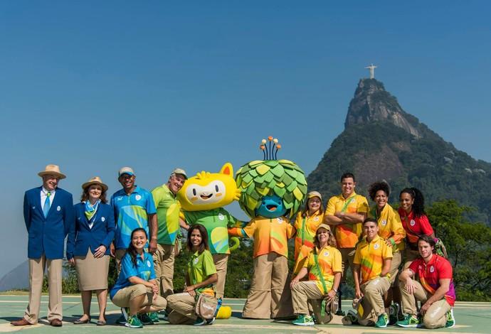 Uniformes do time Rio 2016 são apresentados com a presença dos mascotes Tom e Vinícius (Foto: Divulgação/Rio2016)