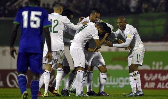 Argélia comemora goleada eliminatórias (Foto: Fifa.com)